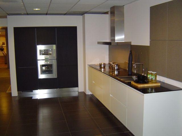 Onderkast verlichting keuken tieleman schuller keuken landelijke wonen bovenkast keuken kleine - Keuken design werkblad ...