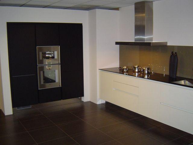 Verlichting Keuken Zonder Bovenkasten : van Nederland! Fraai greeploze design keuken in 3 kleuren [43045