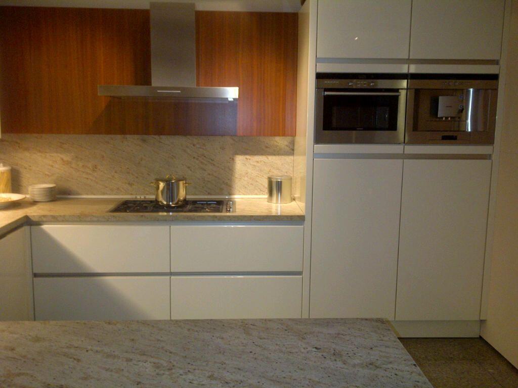 ... van Nederland!  SieMatic Design greeploze hoogglanslak keuken [47519