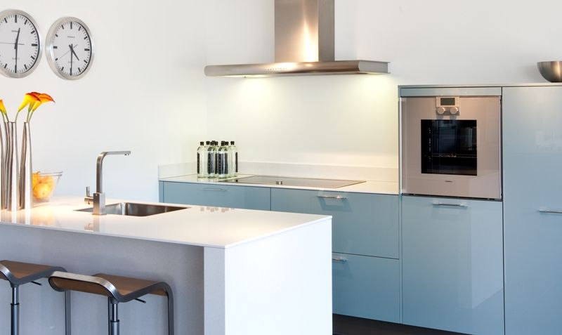 Compacte Design Keuken : Een compacte eilandkeuken, het eiland is 95cm diep en 194 cm breed met