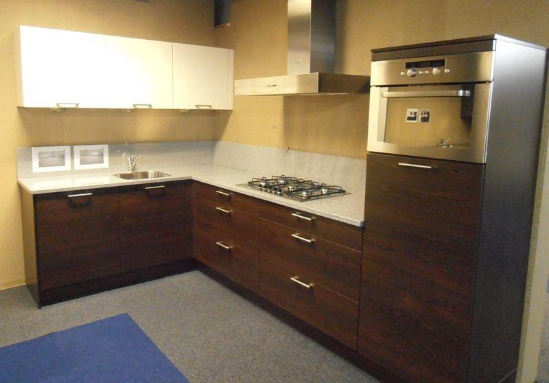 Keuken Donker Eiken : woonwinkel van Nederland! Hoekkeuken in donker eiken [45679