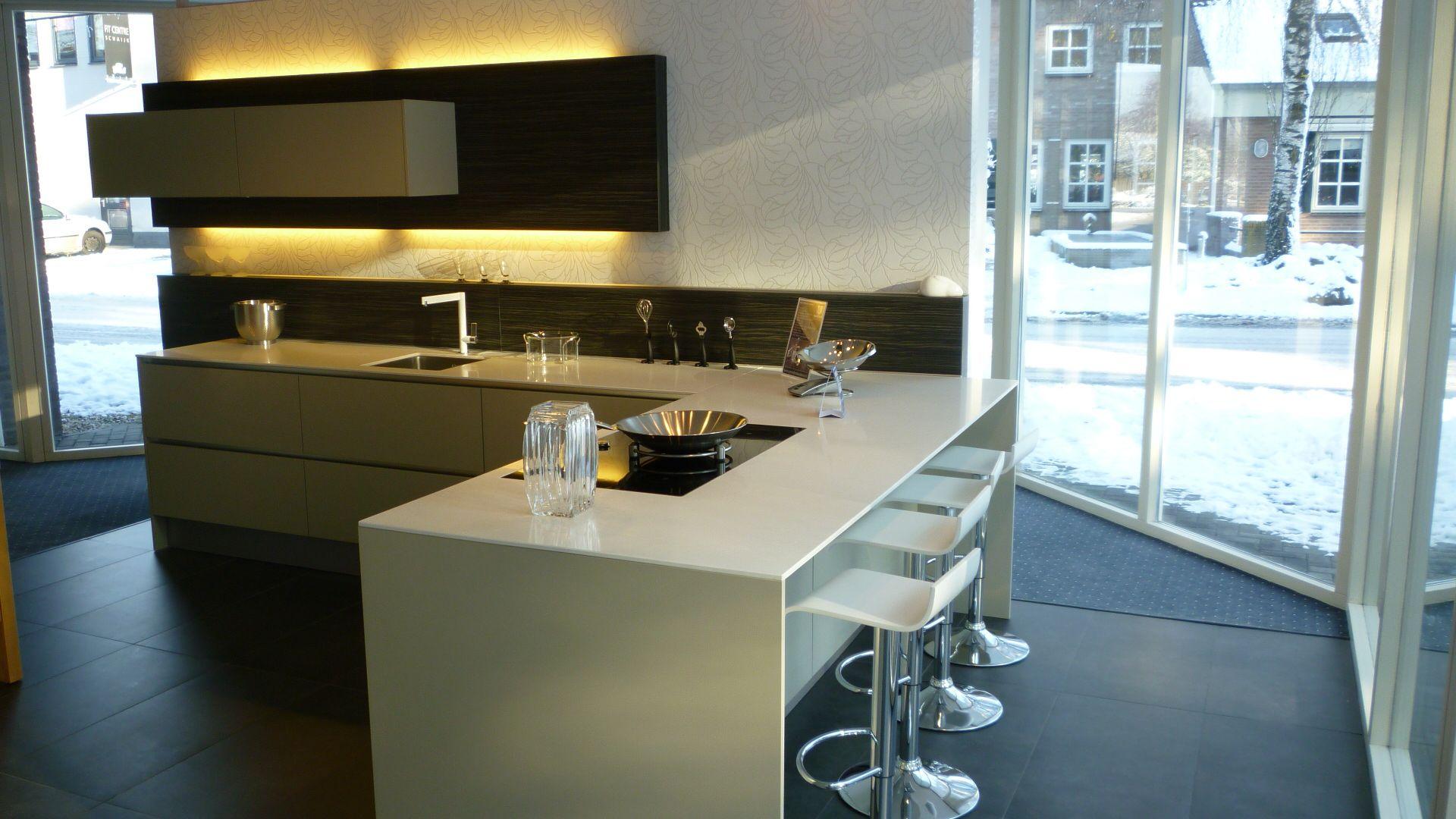Keuken Eiland Of Schiereiland : woonwinkel van Nederland! Greeploze kiezelgrijze keuken [49332