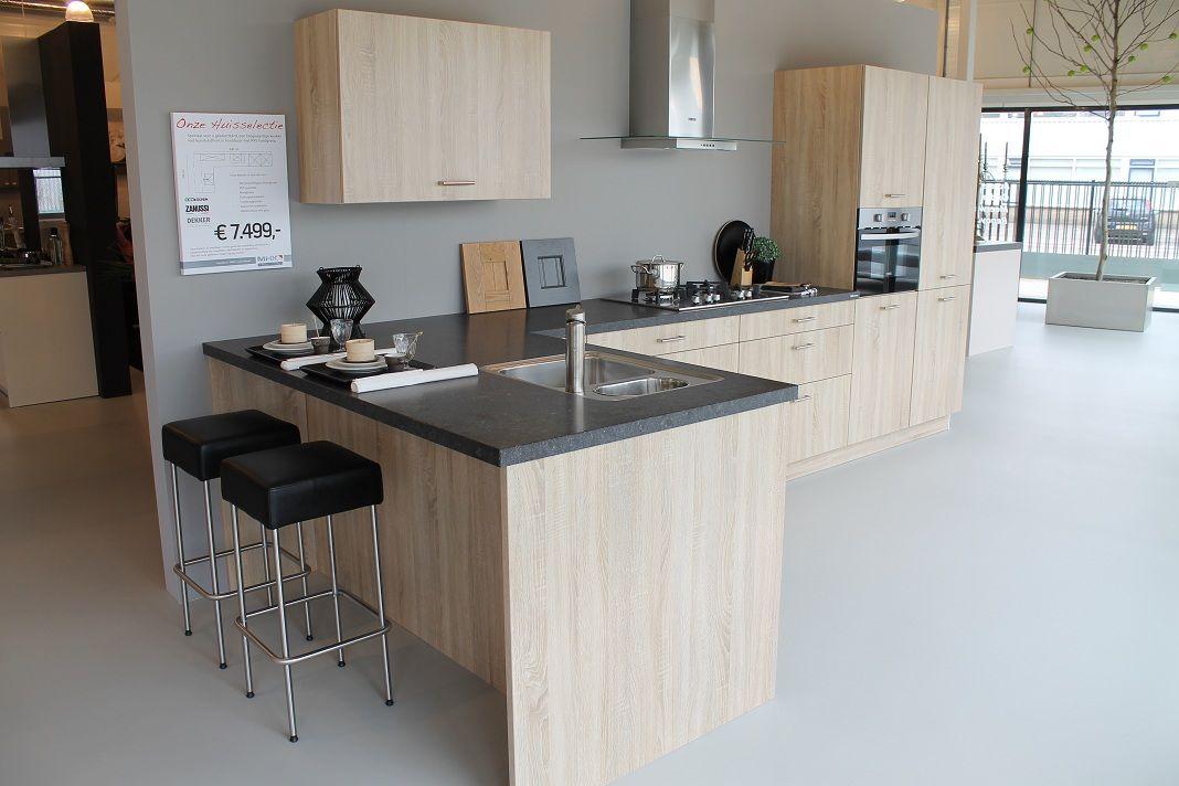 ... !  Eiken Bordelino keuken met belgisch hardsteen blad [43107