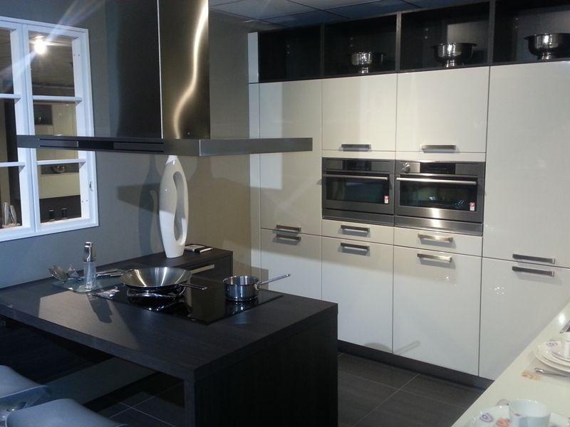 Moderne Keuken Met Schiereiland : moderne hoogglans gelakte keuken 43048 moderne hoogglans gelakte