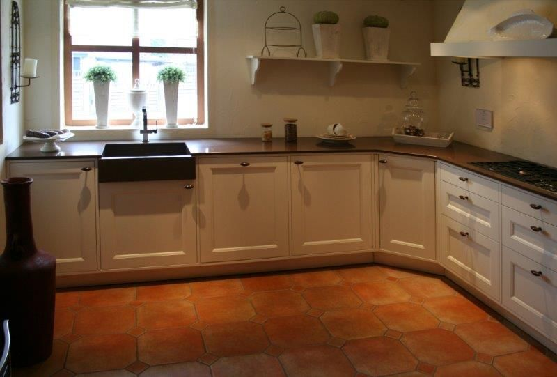 De voordeligste woonwinkel van nederland klassieke eggersmann hoekkeuken - Model keuken wit gelakt ...