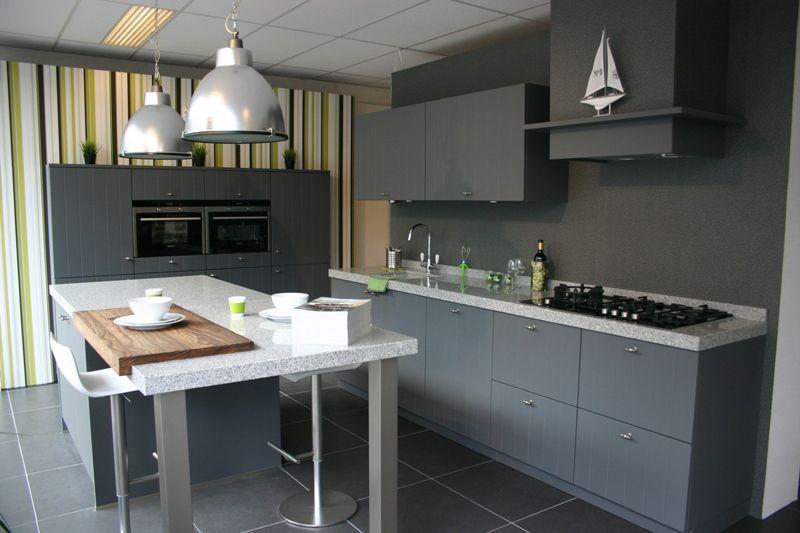 Afmetingen Keuken Onderkasten : nl De voordeligste woonwinkel van Nederland! keuken Breda [48728