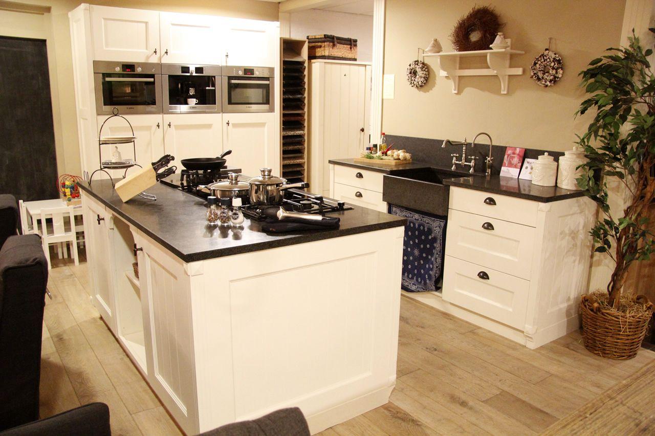 Keuken Met Eiland Afmetingen : ambachtelijke keuken met kookeiland 50116 ambachtelijke keuken