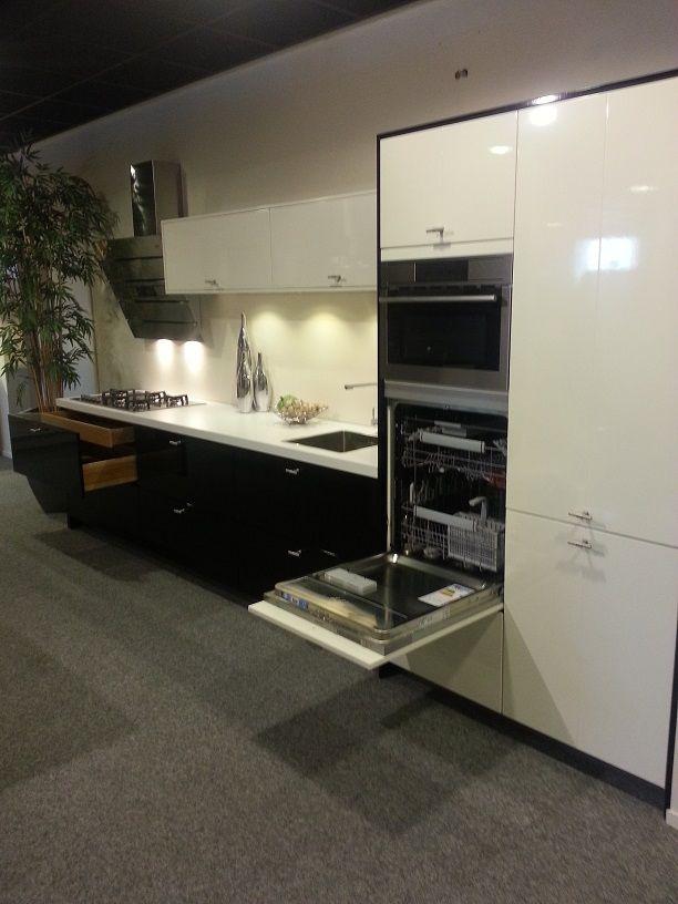 De voordeligste woonwinkel van nederland rechte keuken modern 38900 - Afbeelding van keuken amenagee ...