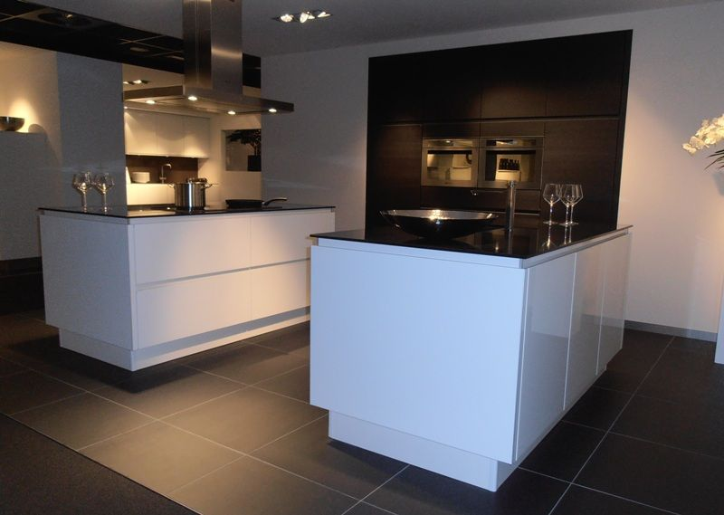 Keuken Greeploos Hout : van Nederland! Keuken met dubbel eiland in wit met hout [50421