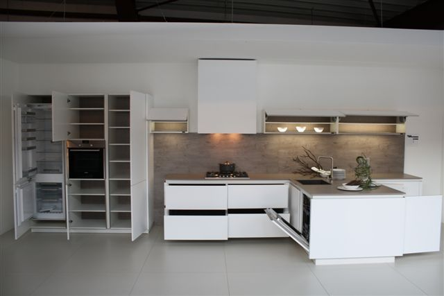 De voordeligste woonwinkel van nederland t keuken greeploos mat wit 9 - Model keuken wit gelakt ...