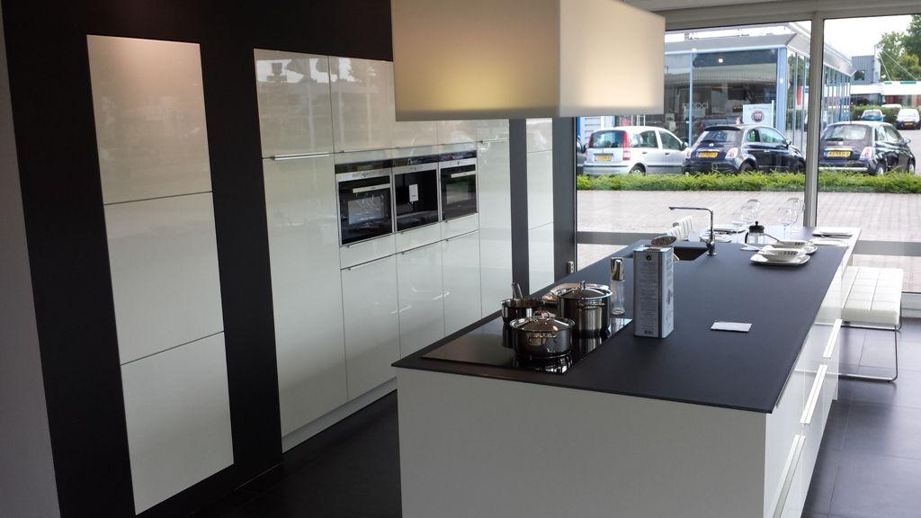 ... woonwinkel van Nederland!  Exclusieve hoogglans keuken [43054