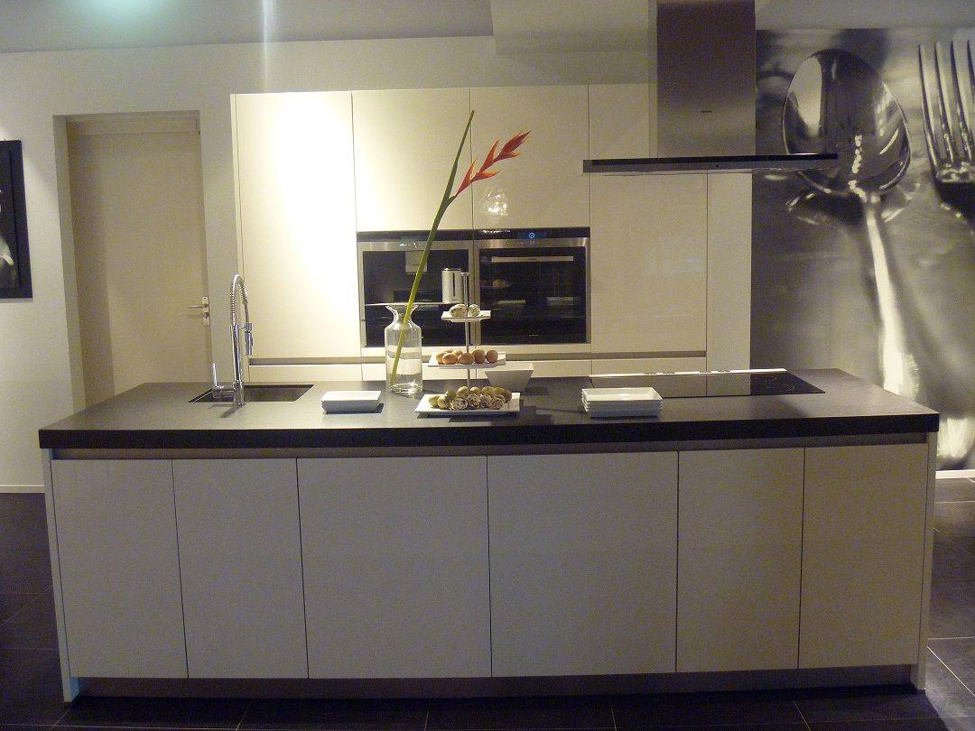 Keuken Kookeiland Afmetingen : Showroomkorting.nl De voordeligste woonwinkel van Nederland