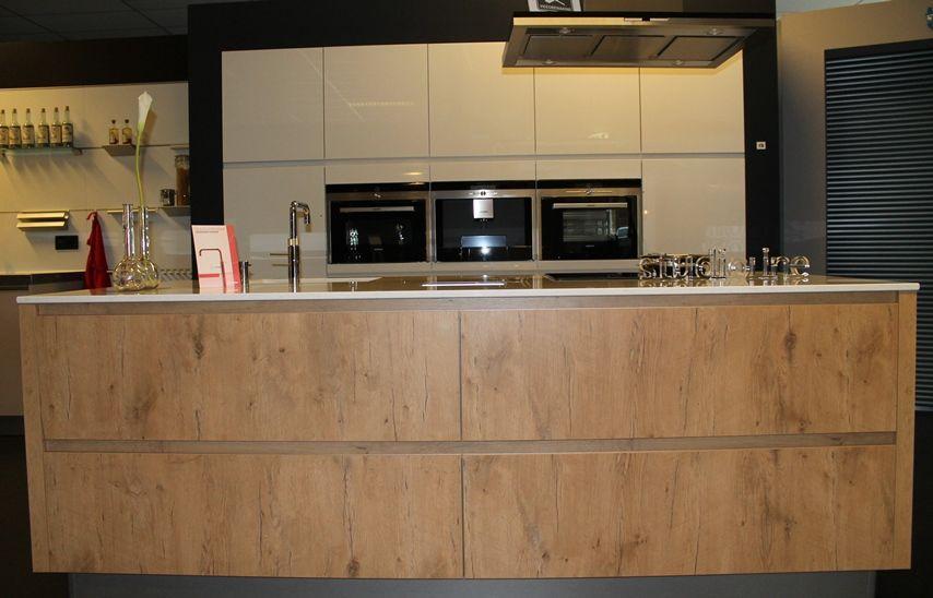 Keuken Hoogglans Wit Met Hout : woonwinkel van Nederland! design greeploos hoogglans & hout [43848