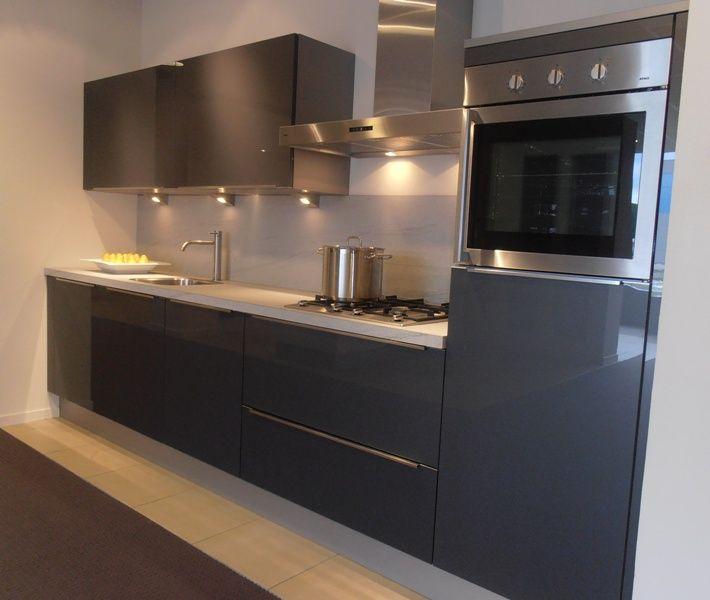 Keuken Antraciet Hoogglans : van Nederland! Rechte keuken in antraciet hoogglans [47274