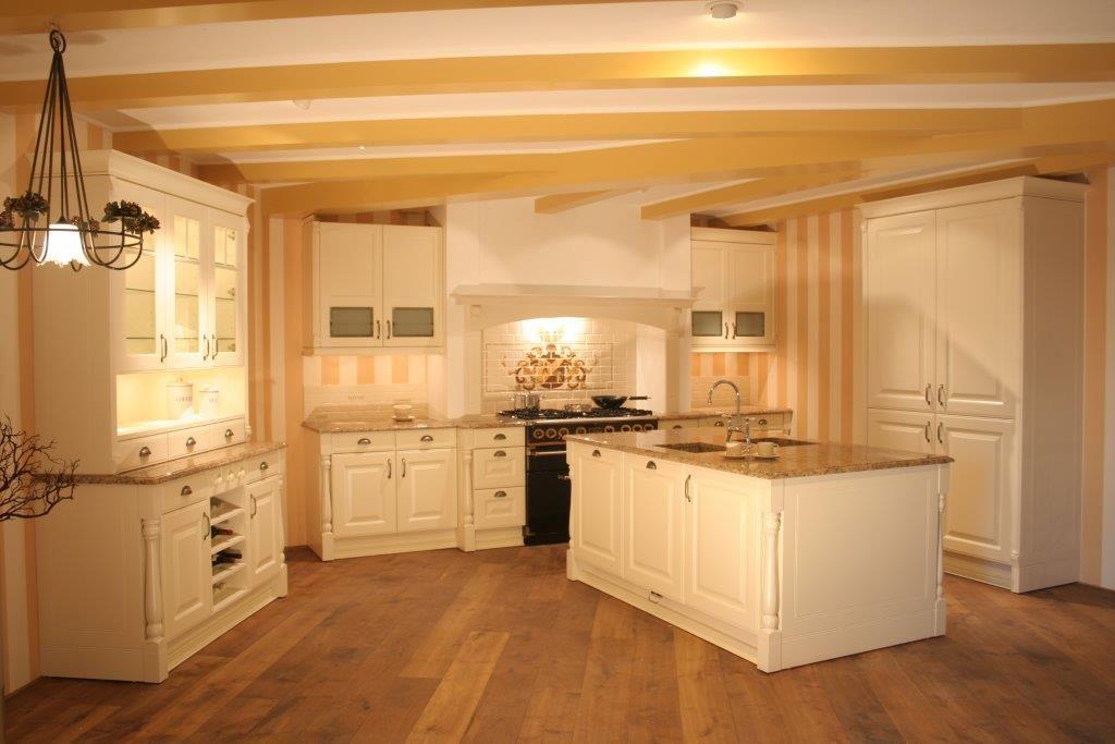 De voordeligste woonwinkel van nederland klassieke keuken y26 34217 - De klassieke keuken ...