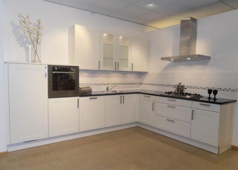 Groen keuken landelijk home design idee n en meubilair inspiraties - Keuken blauw en wit ...