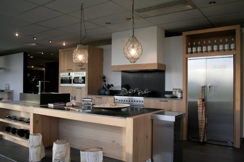 De voordeligste woonwinkel van nederland salvani massief houten keuken - Afbeelding van keuken amenagee ...