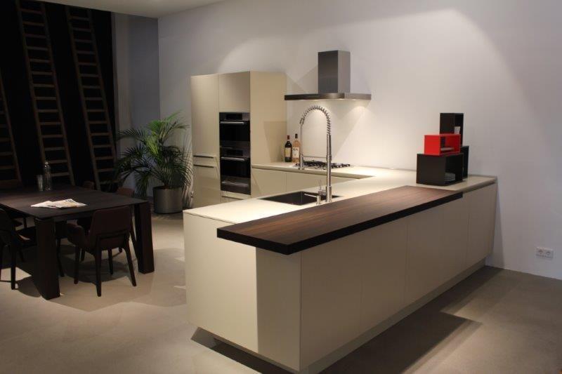 ... van Nederland!  Varenna, exclusieve italiaans design keukens [53079