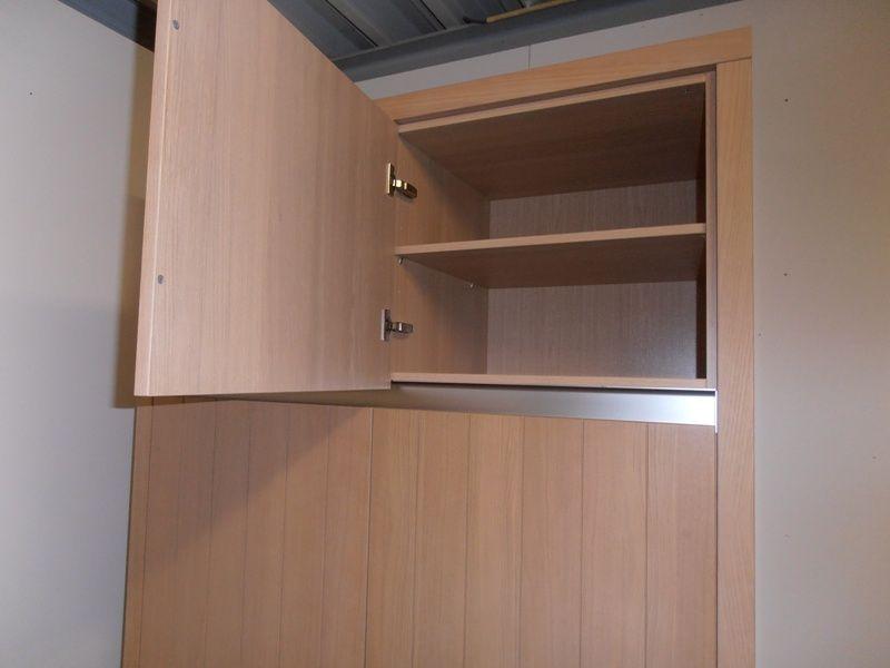 Afmetingen Keuken Onderkasten : landelijke keuken in fineer met een werkblad in 5cm graniet. De keuken