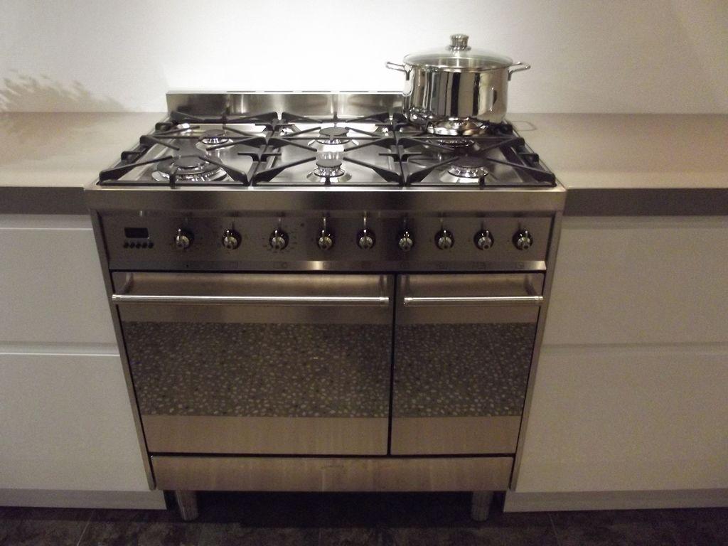 Keuken Plint Rvs : Smeg Rvs Keuken : Smeg B91GMXNL 90 cm fornuis, RVS Het Inbouwmagazijn