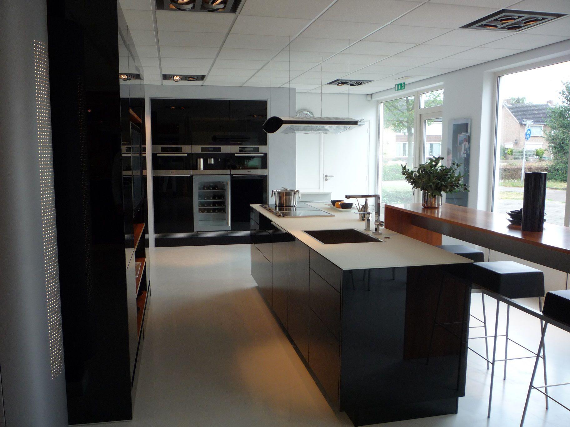 De voordeligste woonwinkel van nederland poggenpohl 51252 - Hoo showroom ...