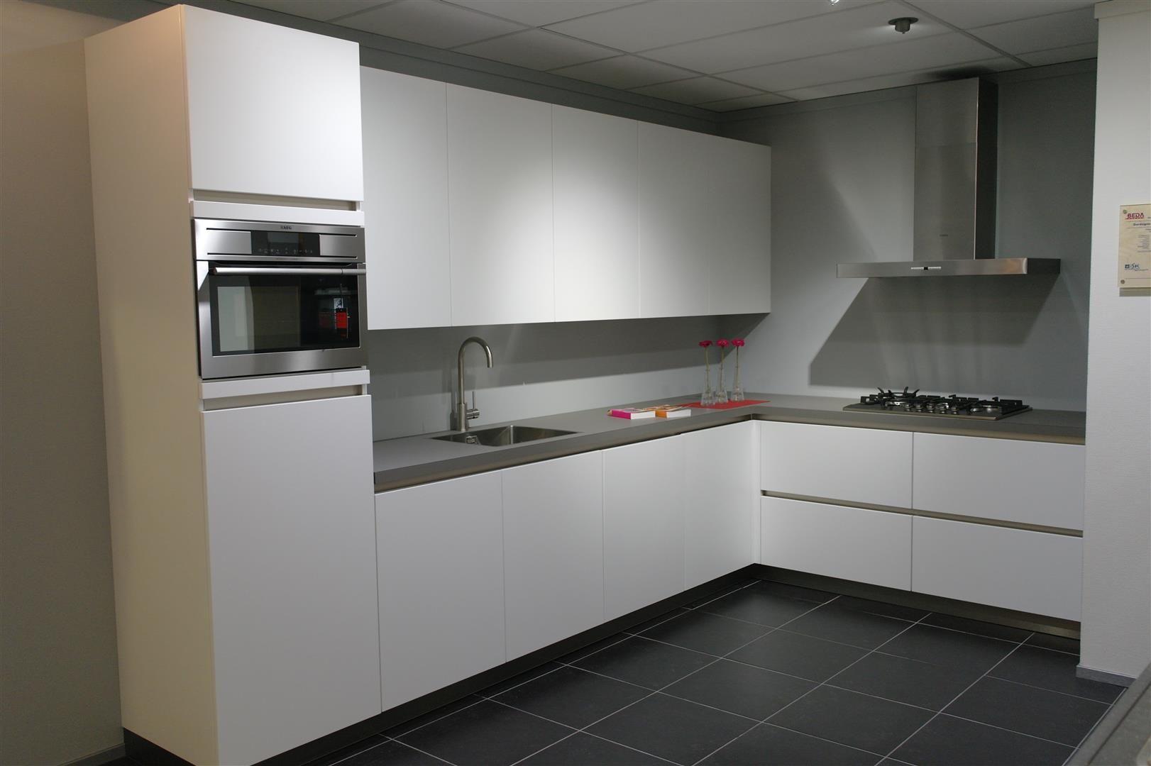 Keuken Greeploos Mat Wit : voordeligste woonwinkel van Nederland! Beda Domino greeploos [51358