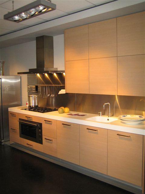 De voordeligste woonwinkel van nederland poggenpohl fg licht eiken 26305 - Keuken licht eiken ...