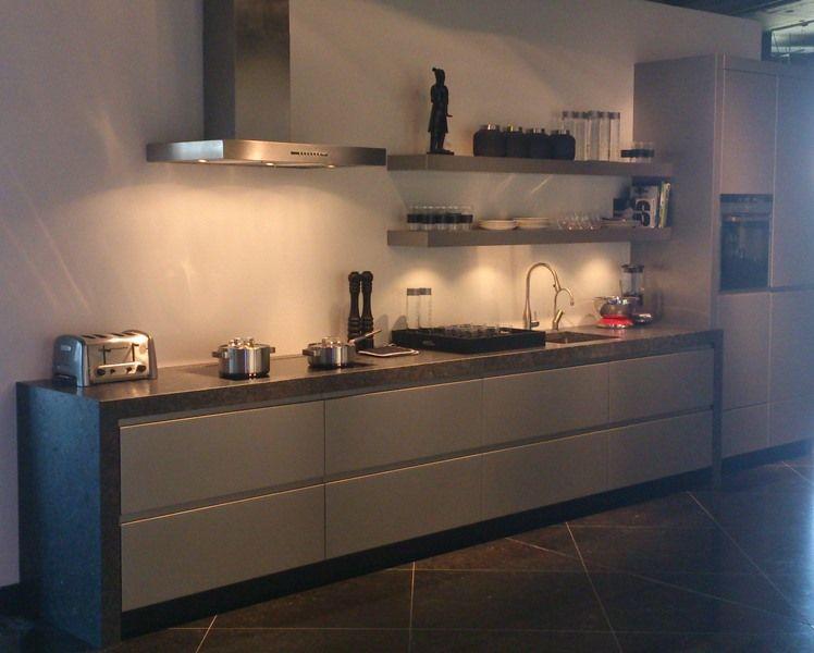 Keuken Plint Monteren : woonwinkel van Nederland! Handgemaakte greeploze keuken [50577