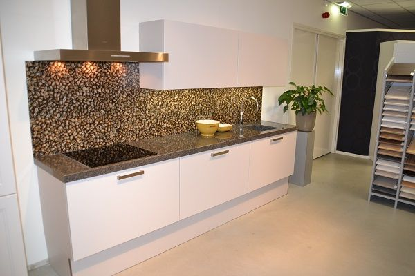 Keuken Kleur Sahara : Showroomkorting.nl De voordeligste woonwinkel van Nederland